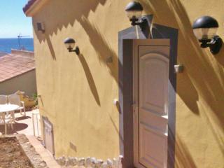 Bright 2 bedroom Condo in Cala Romantica with Satellite Or Cable TV - Cala Romantica vacation rentals