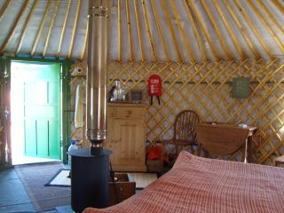 1 bedroom Yurt with Deck in Earnley - Earnley vacation rentals