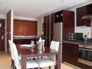 2 Bedrooms Luxurious Apartment  in Green Point - Cape Town vacation rentals