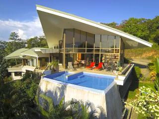 Casa de las Cascadas: 4BR Modern Home w/ 2 Pools! - Manuel Antonio vacation rentals