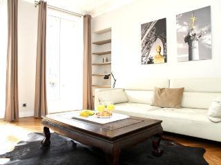 27. MODERN APARTMENT - ENJOY THE BEST OF LE MARAIS - Paris vacation rentals