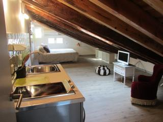 Cozy attic apartment in Madrid - Madrid vacation rentals