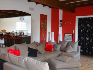 Nice House with Internet Access and Dishwasher - Beaucaire vacation rentals