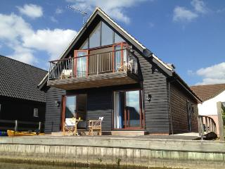 2 bedroom Cottage with Deck in Horning - Horning vacation rentals