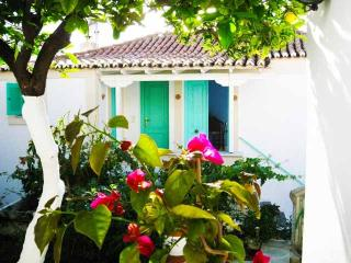 Charming 3 bedroom Poros Townhouse with Dishwasher - Poros vacation rentals