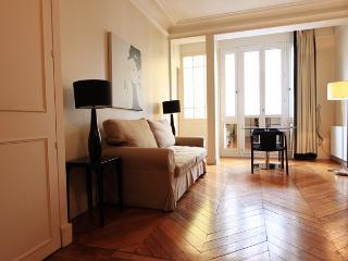 Passage Du Louvre, At few steps of Louvre Museum ! - Paris vacation rentals