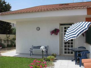 Villetta a 700  mt dal mare a Casuzze - Marina di Ragusa vacation rentals