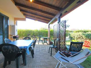 Wonderful 3 bedroom Campofelice di Roccella Villa with Internet Access - Campofelice di Roccella vacation rentals