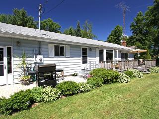 The cottage (#880) - Gravenhurst vacation rentals