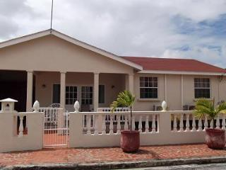 Nice Bungalow with A/C and Satellite Or Cable TV - Speightstown vacation rentals