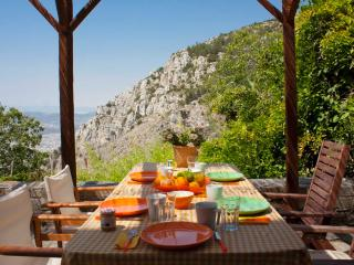 Beautiful Stone House in Mount Pelion - Makrinitsa vacation rentals
