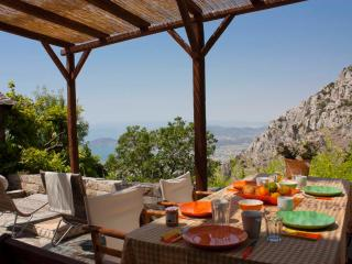 Beautiful Stone House in Mount Pelion - Agios Georgios Nilias vacation rentals