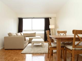 2 bedroom Apartment with Internet Access in Courbevoie - Courbevoie vacation rentals