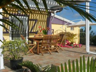 Romantic 1 bedroom Gite in Les Avirons - Les Avirons vacation rentals