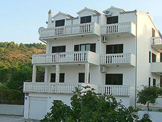 Villa Nena Studio Apt A4 Tommy 2+0 - Ciovo vacation rentals