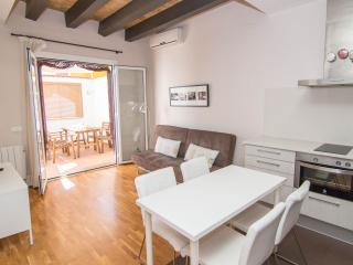 HABANA Adorable apartment with WiFi in the center - Sitges vacation rentals