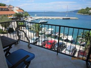 Divna Apartment Orange - Racisce vacation rentals
