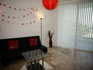 1bed1,5bath loft across the street from the beach . - Coconut Grove vacation rentals