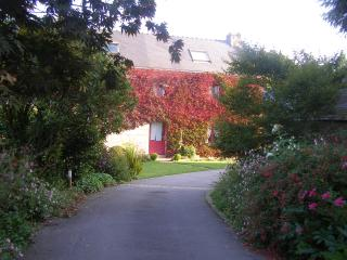 Nice Bed and Breakfast with Internet Access and Garden - Landudal vacation rentals