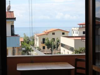 Nice 1 bedroom Guardia Piemontese Marina Condo with Parking Space - Guardia Piemontese Marina vacation rentals