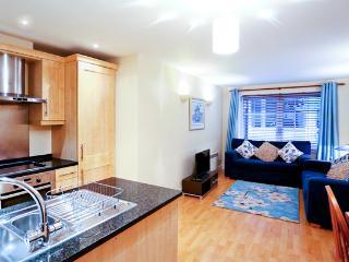 AMAZING LOCATION COMFY 2BED/2BATH - London vacation rentals