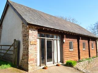 Lovely 3 bedroom Cheriton Fitzpaine Barn with Internet Access - Cheriton Fitzpaine vacation rentals