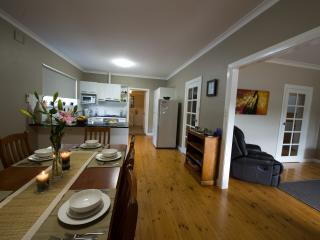 Clove Hitch Holiday House - Adelaide vacation rentals