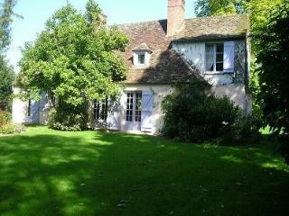 Lovely 4 bedroom Rambouillet House with Internet Access - Rambouillet vacation rentals