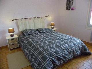 Bright 3 bedroom Deux-Sevres Gite with Kettle - Deux-Sevres vacation rentals