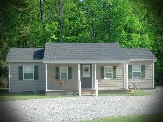 The Pinewood Guesthouse (Quiet Country Cottage) - Belvidere vacation rentals