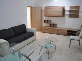 Nice Townhouse with A/C and Television - Miggiano vacation rentals