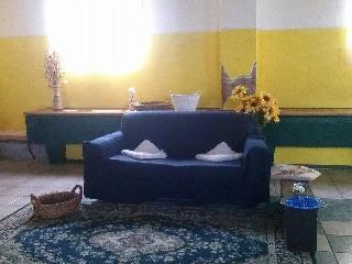 Romantic 1 bedroom Nettuno House with Short Breaks Allowed - Nettuno vacation rentals