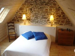 Romantic 1 bedroom Gite in Tremel - Tremel vacation rentals