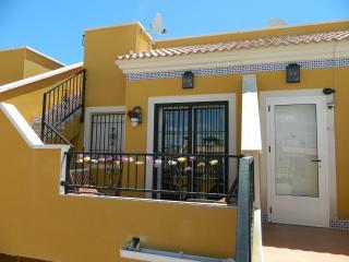 Luxury 1st floor beach resort apartment. - Los Arenales del Sol vacation rentals
