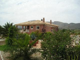 bed&breakfast  Estamicasa Hondon de las Nieves - El Fondó de les Neus vacation rentals