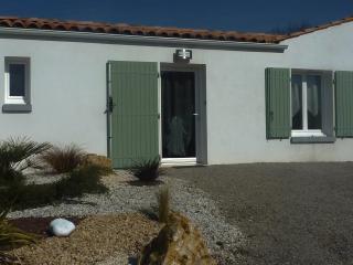 Maison style maison de pêcheur; classée 3 * - Ile d'Oleron vacation rentals