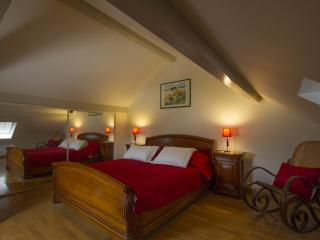 Lovely Bed and Breakfast in Luxeuil-les-Bains with Wireless Internet, sleeps 4 - Luxeuil-les-Bains vacation rentals