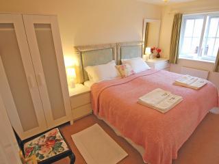 St Andrews Square Durham House - Durham vacation rentals