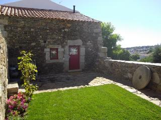 Palheiro do Castelo I - Logradouro - Guarda vacation rentals