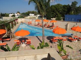piccola struttura con piscina a Porto Cesareo - Porto Cesareo vacation rentals