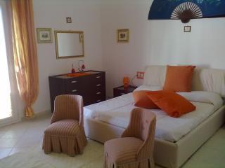 Bright 2 bedroom Sant Antioco Condo with A/C - Sant Antioco vacation rentals
