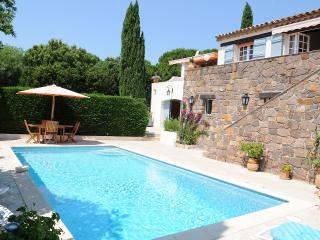 AUTHENTIC PROVENCALE VILLA - SEA VIEWS, SWIMMING - Cavalaire-Sur-Mer vacation rentals