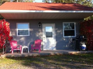 Accessible 2 Bedroom on the Bay of Fundy - Otter - Kingston vacation rentals