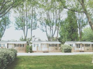 Cozy 3 bedroom Caravan/mobile home in Cavaillon - Cavaillon vacation rentals