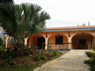 Utuado Mountains/Pool/Wi-fi/Relax - Casa Nube - Utuado vacation rentals