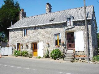 Nice Gite with Internet Access and Wireless Internet - Brece vacation rentals