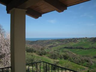 3 bedroom Bed and Breakfast with A/C in Lapedona - Lapedona vacation rentals