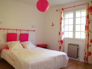 Nice House with Internet Access and Dishwasher - Saint-Cirq-Lapopie vacation rentals