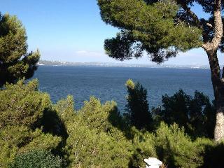 Chambre en Provence - Istres vacation rentals