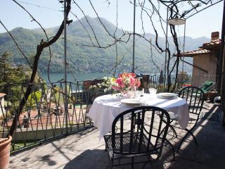 Romantic lake view flat - Moltrasio vacation rentals